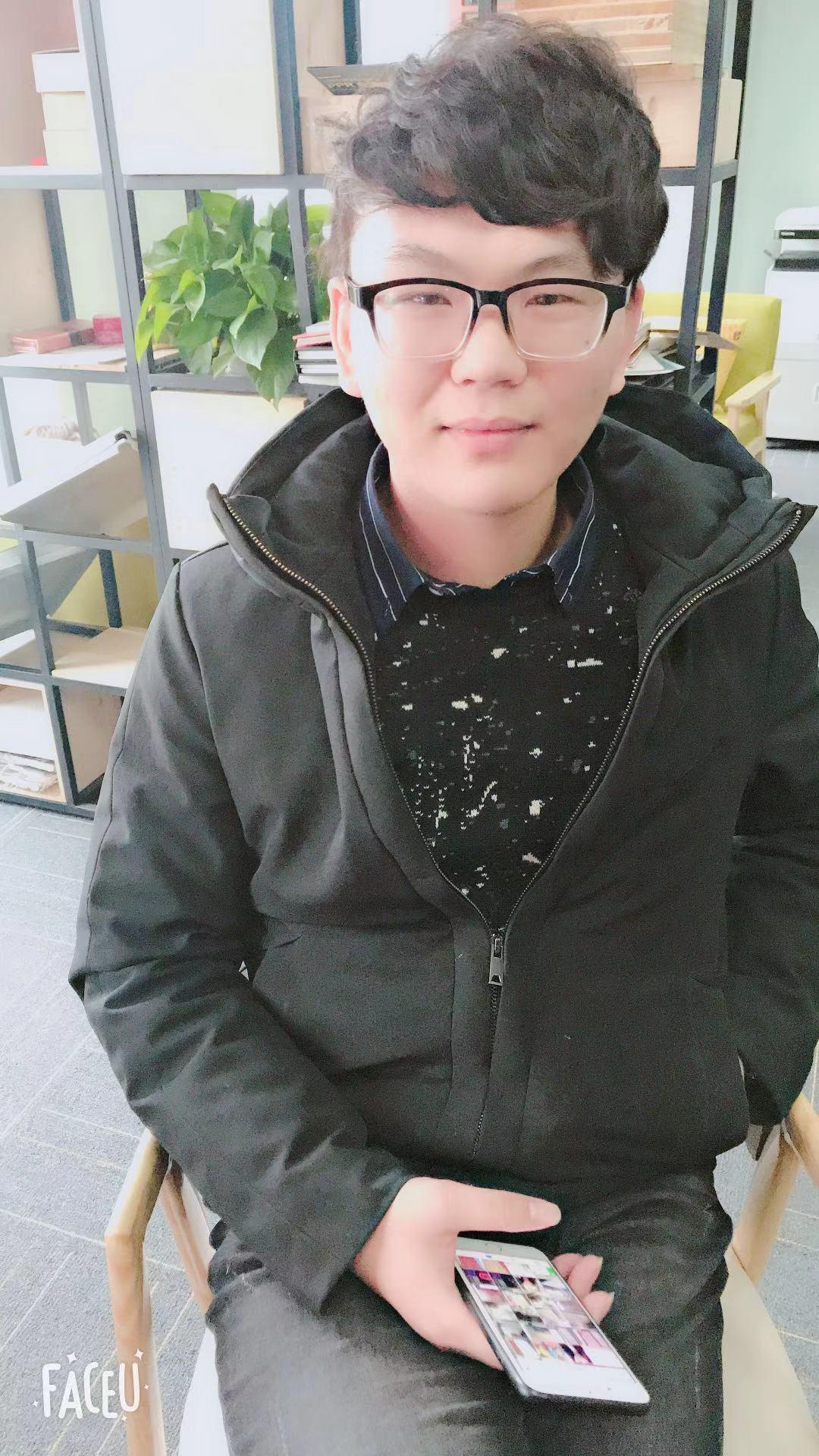 扬州刘笑笑设计师