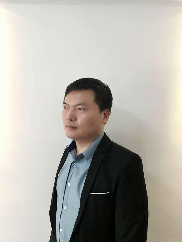广州谭胜设计师