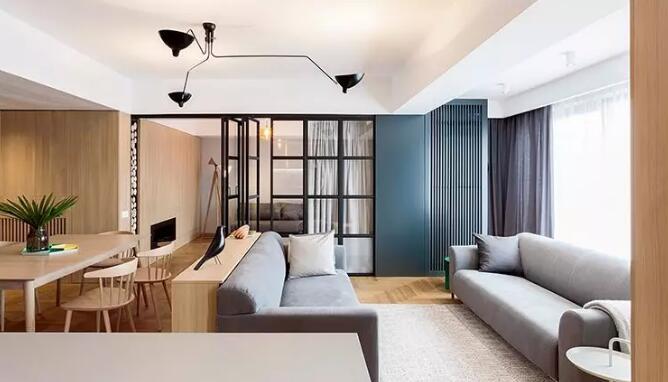 日式风格三居室装修案例,客厅书房玻璃门隔断很亮眼