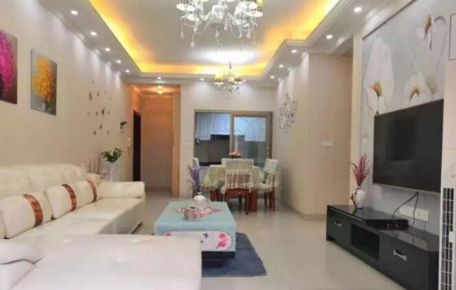 三室两厅田园风格装修实例,墙面贴壁纸硬装部分花8万