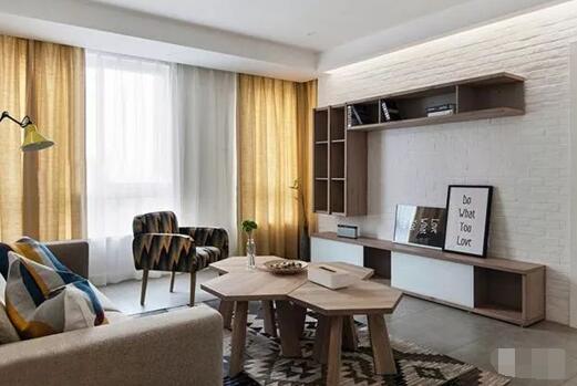85平米北欧风格新房装修案例,客厅明暗色调搭配厨房花砖很亮眼