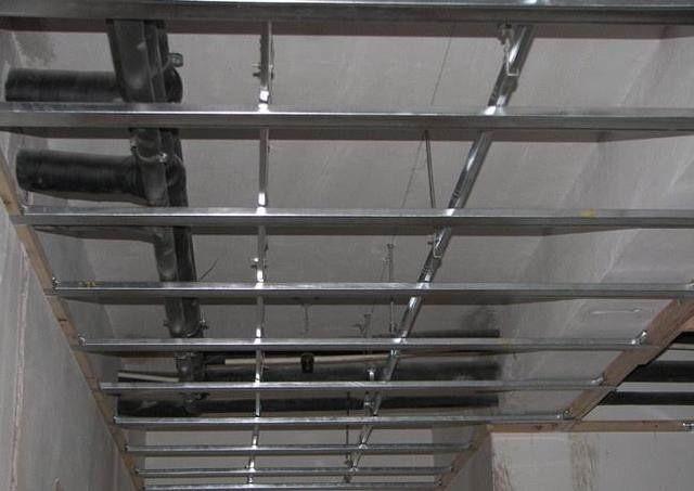 轻钢龙骨吊顶和木龙骨吊顶哪个好,木工吊顶人工费价格表